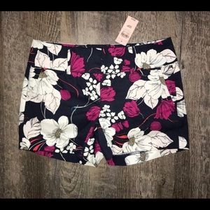 New Ann Taylor floral shorts 00 navy 00P